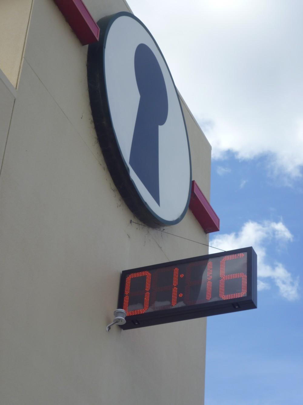 Fort Knox Alphington Time & Temp clock