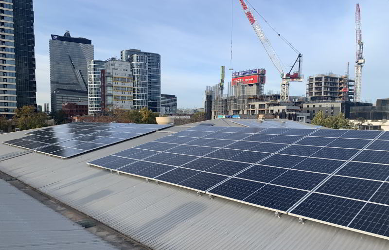 400 Wtt solar panels on roof of Fort Knox Melbourne City Self Storage